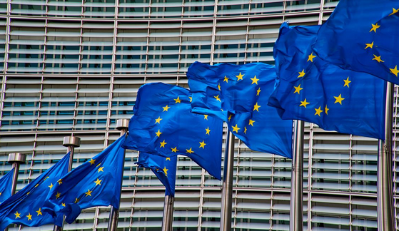 PROVINCIA AUTONOMA BOLZANO * ELETTA NUOVA COMMISSIONE UE: KOMPATSCHER, « SLANCIO E LUNGIMIRANZA PER AFFRONTARE LE GRANDI SFIDE CHE ATTENDONO L'EUROPA »