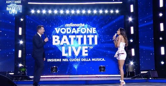 "ITALIA 1 * MUSICA: « "" RADIONORBA VODAFONE BATTITI LIVE "", LUNEDÌ 3 AGOSTO CON FEDEZ -  RENGA - NEK -  DE PALMA -  PELÙ - THE KOLORS - ANNALISA - BABY K / CONDUCONO  GREGORACI E  PALMIERI»"