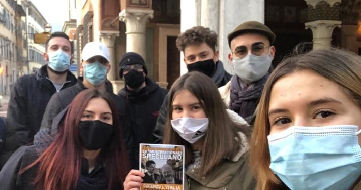 """GN - GRUPPO GIOVANILE FRATELLI D'ITALIA / TRENTINO ALTO ADIGE * """" DIFENDI L'ITALIA COMPRA LOCALE """": « SIAMO SCESI IN CAMPO PER LE VIE DI ROVERETO PER SOSTENERE LE BOTTEGHE DEI CENTRI CITTADINI »"""