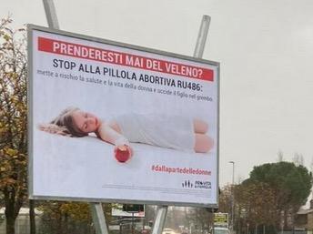 PRO VITA E FAMIGLIA * CAMPAGNA CONTRO ABORTO: BRANDI, « NON SOLO NON CI FERMIAMO MA RILANCIAMO, PIÙ MAXI MANIFESTI E CAMION VELA IN TUTTA ITALIA »