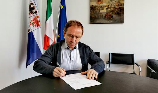 CLAUDIO CIA * ADESIONE A FRATELLI D'ITALIA: «  FORMALIZZATE OGGI LE MIE DIMISSIONI DALLA CARICA DI ASSESSORE REGIONALE, LE IDEE VENGONO PRIMA DELLE POLTRONE »