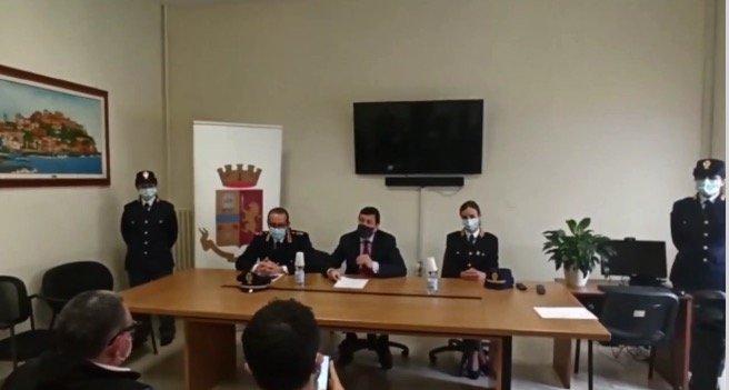 """POLIZIA DI STATO - IMPERIA * AGGRESSIONE VENTIMIGLIA: """" DENUNCIATE A PIEDE LIBERO TRE PERSONE RESPONSABILI DELL'AGGRESSIONE DI IERI A DANNO DI UN EXTRACOMUNITARIO """" (VIDEO)"""
