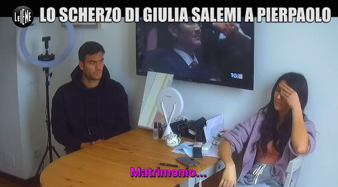 """ITALIA 1 - """" LE IENE """" * """" LO SCHERZO DI GIULIA SALEMI A PIERPAOLO PRETELLI, MARTEDÌ 11 MAGGIO """" (LINK VIDEO)"""