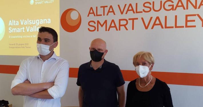 """CASSA RURALE ALTA VALSUGANA E IMPACT HUB TRENTINO * """" HUB TENNA """": « PROGETTO SMART VALLEY, INAUGURATO IL SECONDO SPAZIO DI COWORKING »"""