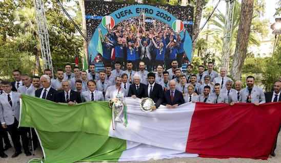 PRESIDENZA REPUBBLICA * CALCIO UEFA EURO 2020 - TORNEO WIMBLEDON: « IL PRESIDENTE MATTARELLA HA RICEVUTO OGGI LA NAZIONALE ITALIANA ED IL TENNISTA, MATTEO BERRETTINI »